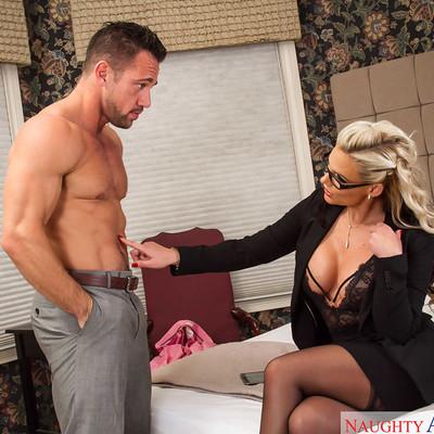 Phoenix Marie Naughty America Video