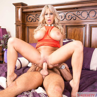 Naughty America - My Friend's Hot Mom with Alyssa Lynn
